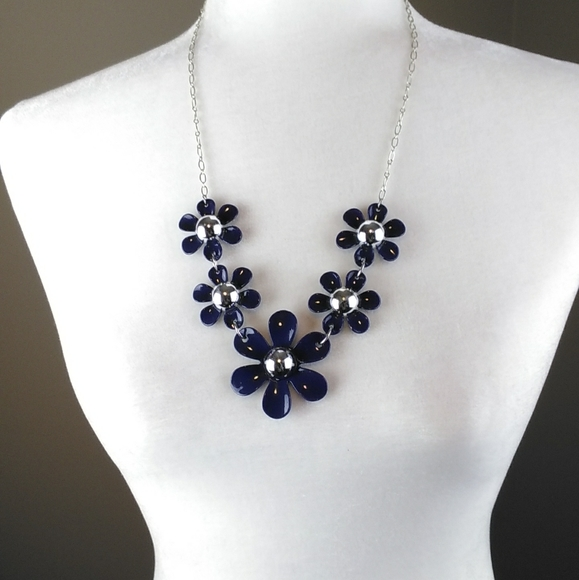 Necklace-Five navy daisies/silver chain